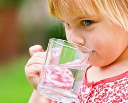 Как сформировать у ребёнка привычку пить воду