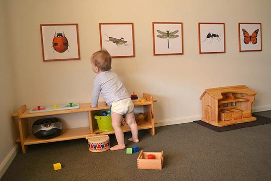 Картины на стене в детской комнате
